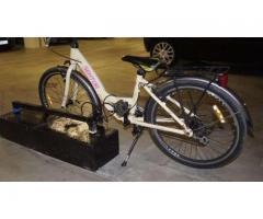 Zapięcie, ucho, kotwa na rower, motocykl do garażu wielostanowiskowego lub na klatkę