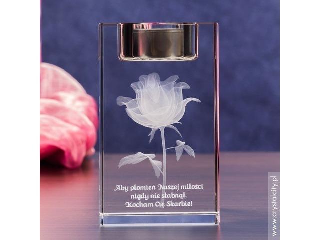 Prezent dla ukochanej - personalizowany świecznik z różą 3D